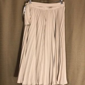 6 HR SALE ONLY!NWT LEWIT PLEATED SHEER MAXI SKIRT